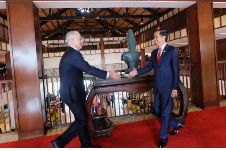President Jokowi, Prime Minister Turnbull meet in Vietnam