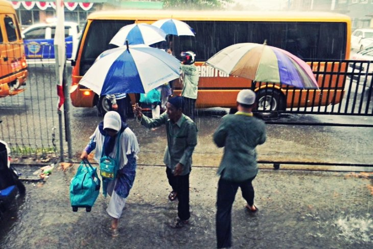 Siklon tropis Nakri sebabkan Kaltara diguyur hujan deras