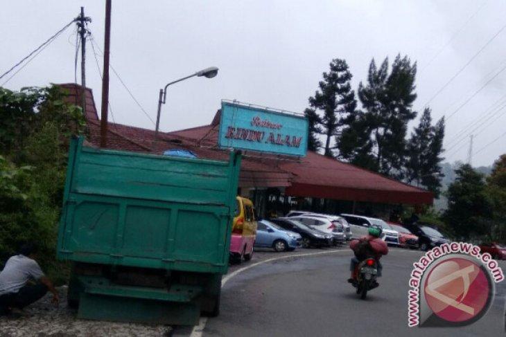 Rencana Pembongkaran Rumah Makan Rindu Alam Puncak Bogor