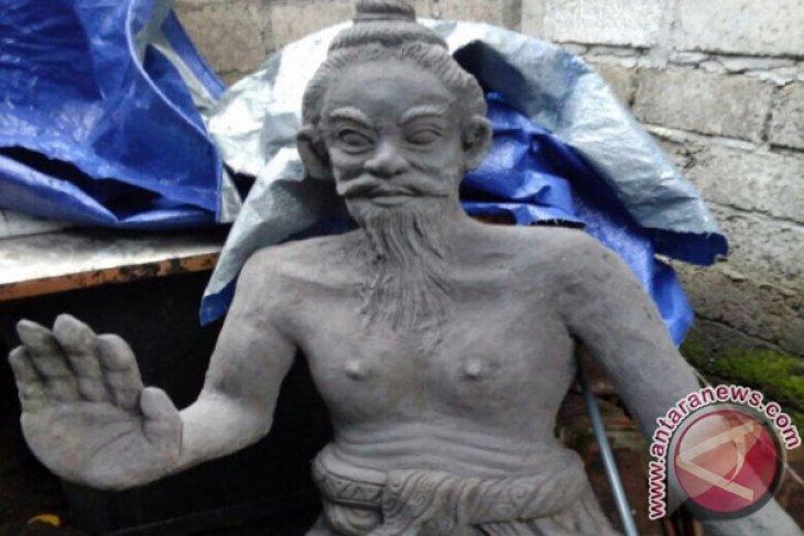Warga Klungkung Buat Patung Berbahan Pasir Lahar Hujan