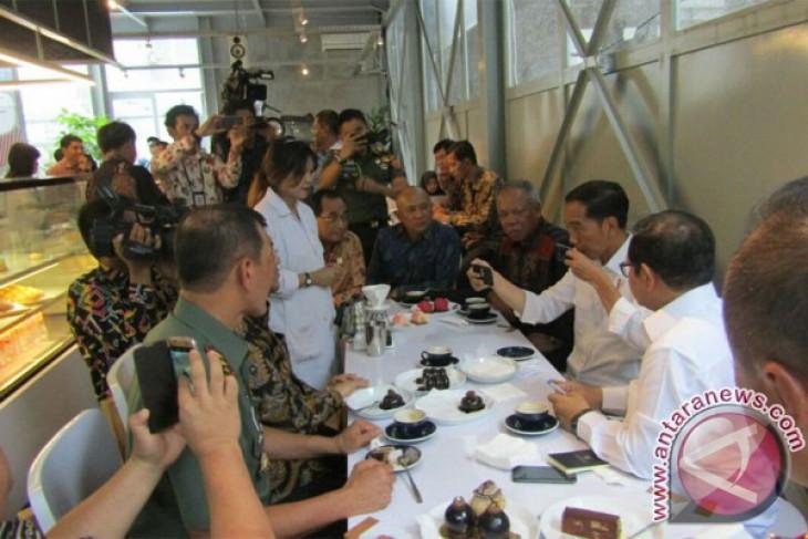 President Jokowi chooses Flores coffee in Bandung