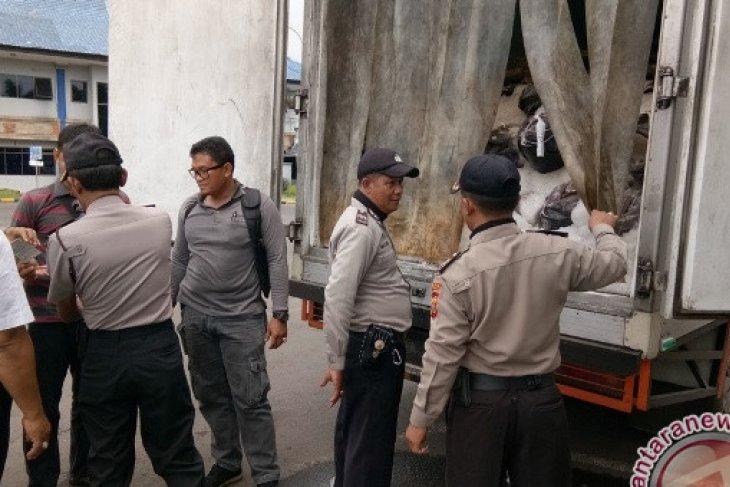 Polisi Sita Ikan Tuna Dari Jawa