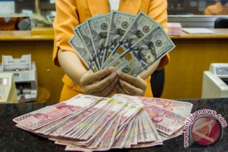 Rupiah melemah seiring meningkatnya permintaan  dolar