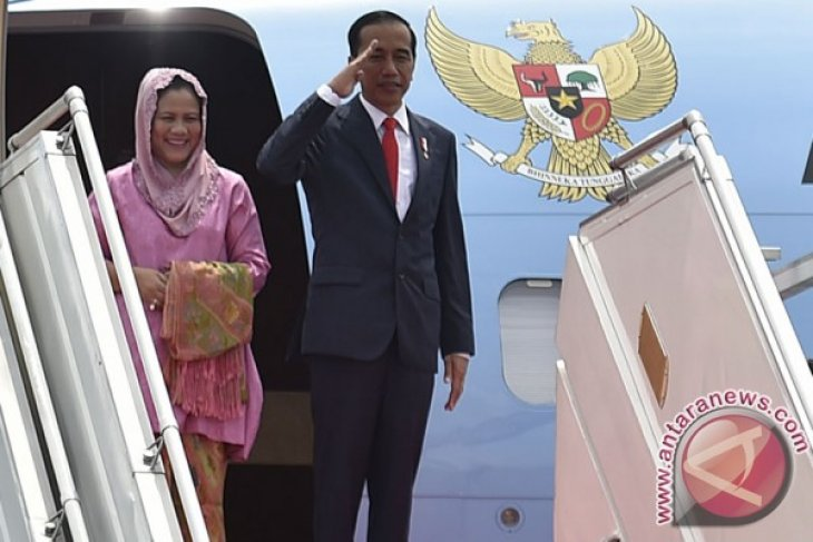 President departs for Turkey to attend OIC Summit
