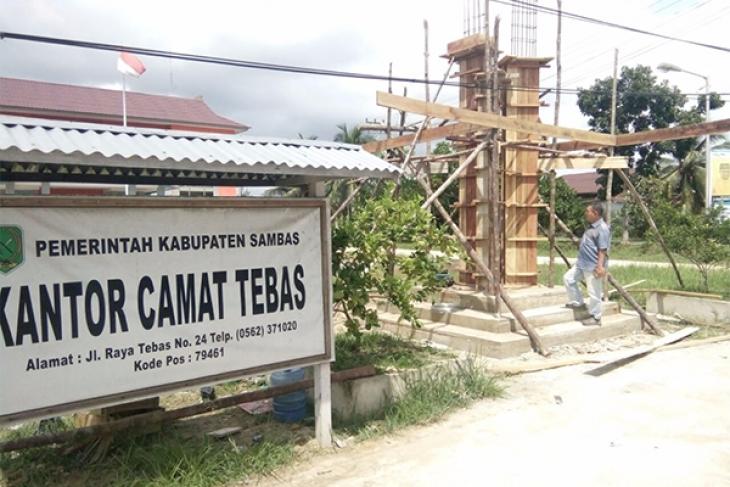 Bank Kalbar Bangun Tugu Limau Tebas Antara News Kalimantan Barat