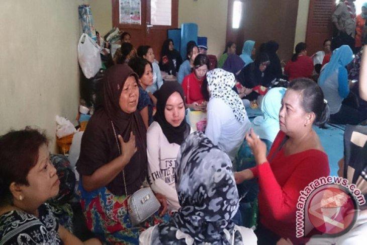 Posko Kesehatan Siaga Di Lokasi Pengungsian Kebakaran