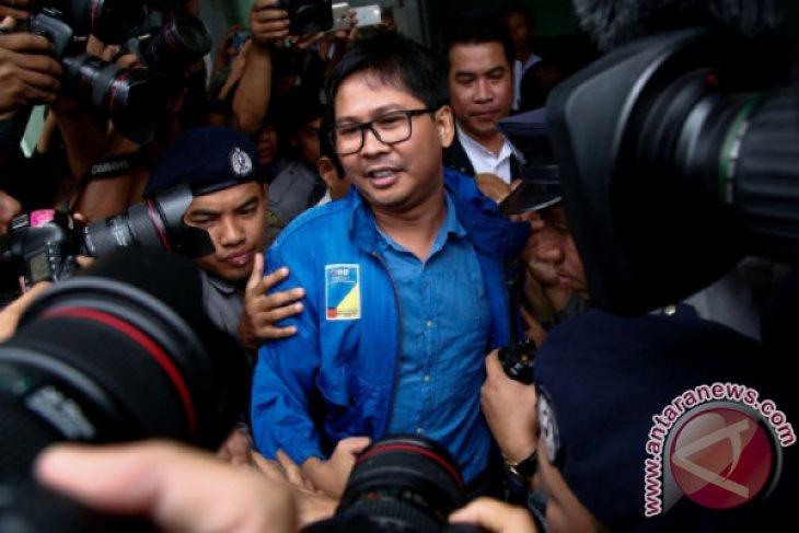 Myanmar perpanjang penahanan dua jurnalis Reuters