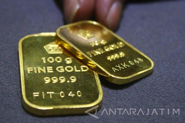Ikuti pasar global, harga emas anjlok hingga Rp5.000 per gram
