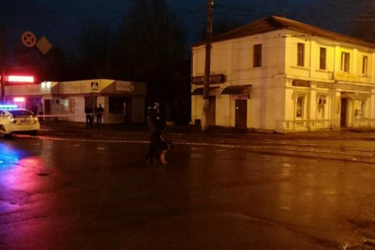 Man with explosives takes 11 hostages in Ukraine