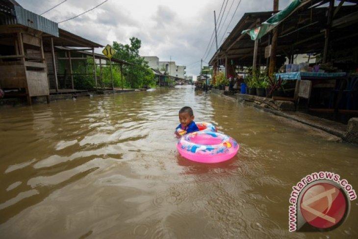 Floods submerge 1,070 houses in Bengkalis, Riau