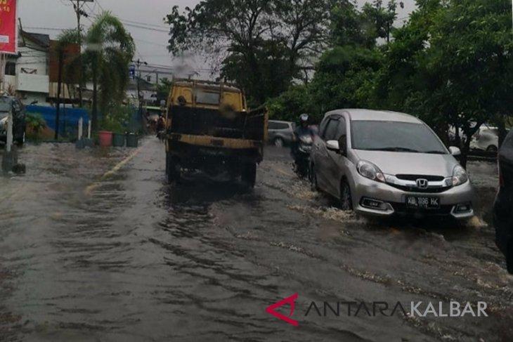 Pemkot Pontianak: Air pasang sebabkan beberapa kawasan di Pontianak tergenang