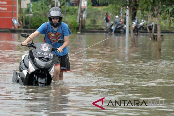 DPRD Bali minta pemerintah atasi banjir di Kuta