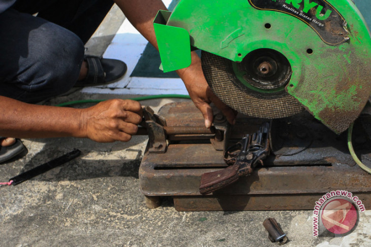 Polda Sumsel musnahkan ratusan senjata api sitaan dari masyarakat