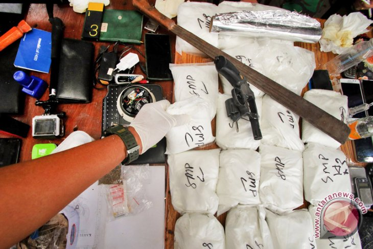 Police seize 18 kg of crystal meth in W Jakarta`s Kampung Ambon