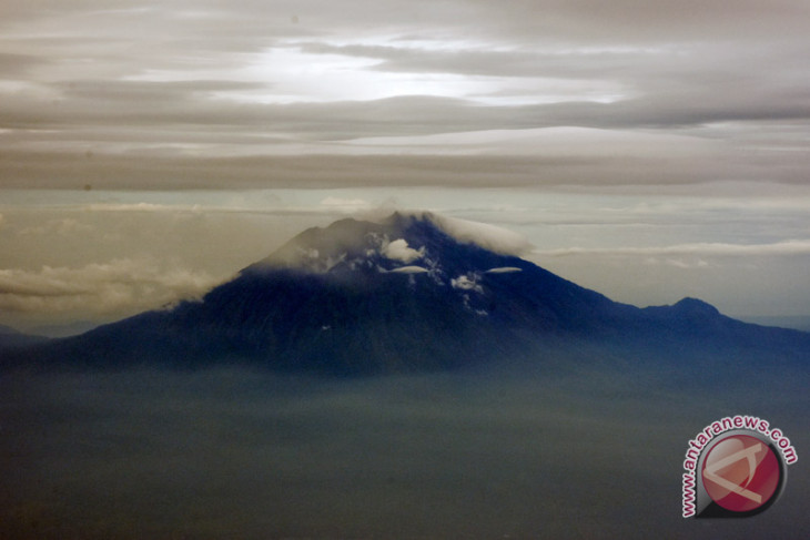 Mount Agung erupts, ash rises up to 2,500m: PVMBG