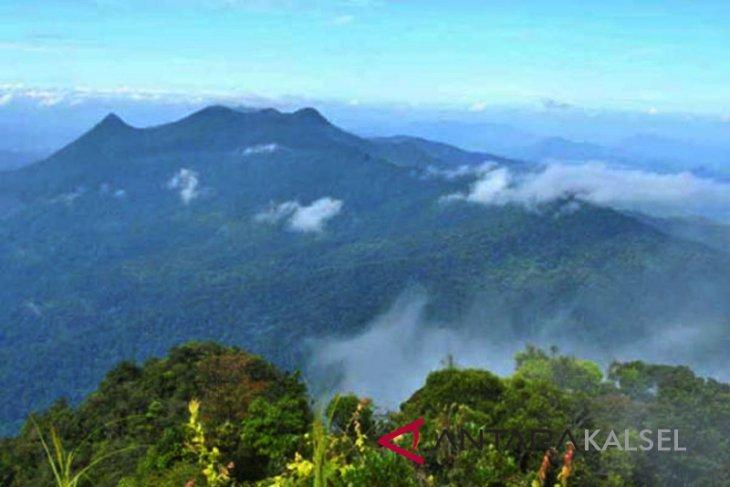 Mapala from across Indonesia explore Mt Meratus