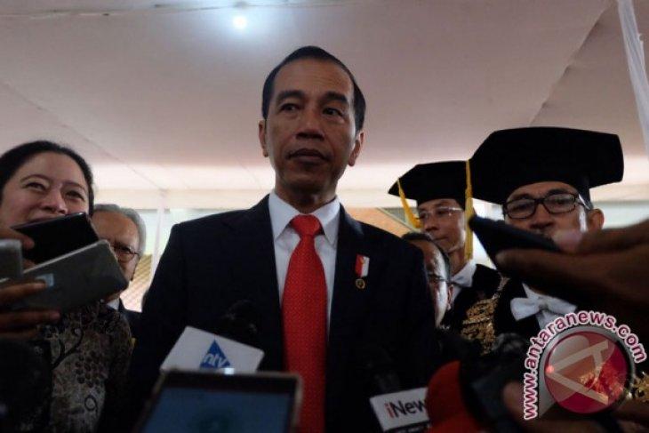 President urges University of Indonesia to set example