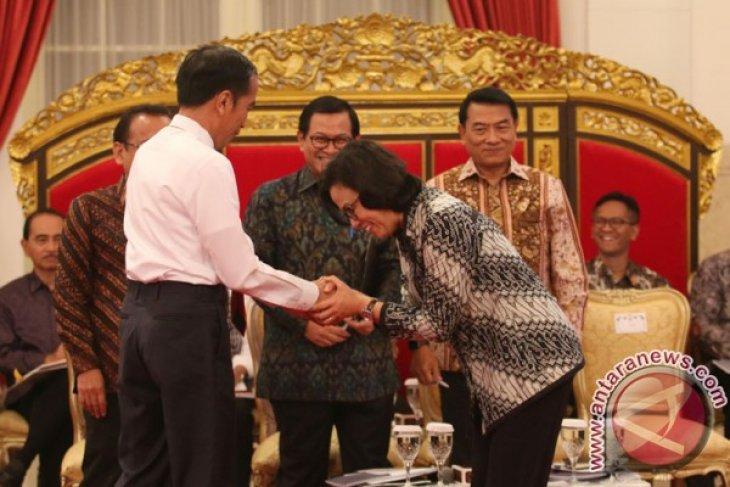 President demands implementation of cash for work  programs