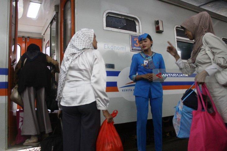 Daop 7 operasikan KA Brantas tambahan saat libur Idul Adha