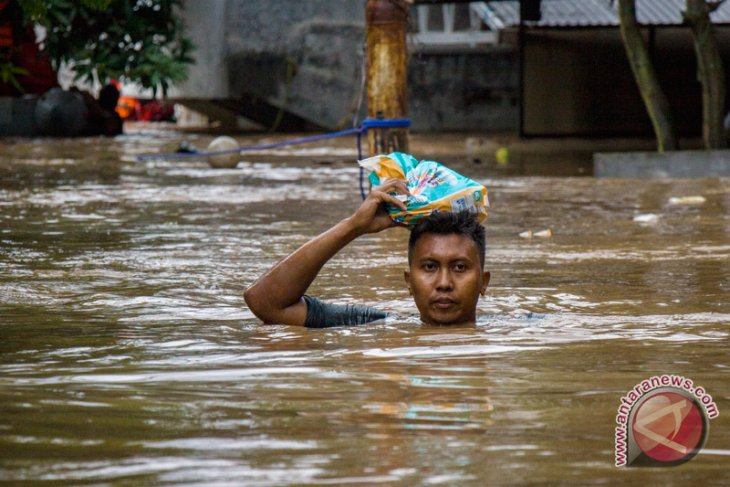 Jakarta floods affect at least 4,305 residents: Minister