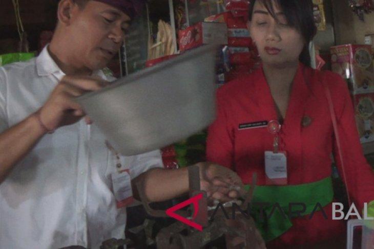 Dinas Perdagangan Jembrana razia timbangan pedagang pasar
