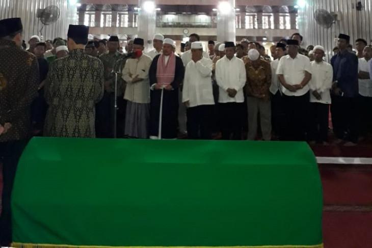 Seorang warga di Bogor meninggal sebelum sempat menyalatkan jenazah