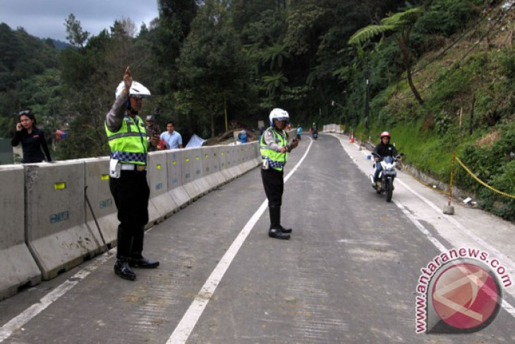 Only motorcyclists can pass through puncak route