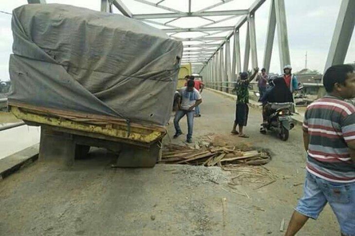 Jembatan Ambawang yang rusak segera diperbaiki