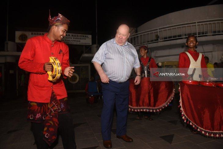 Kunjungan Wali Kota Liverpool Surabaya