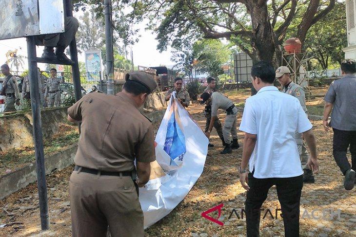 Bawaslu Aceh tertibkan alat peraga kampanye bacaleg