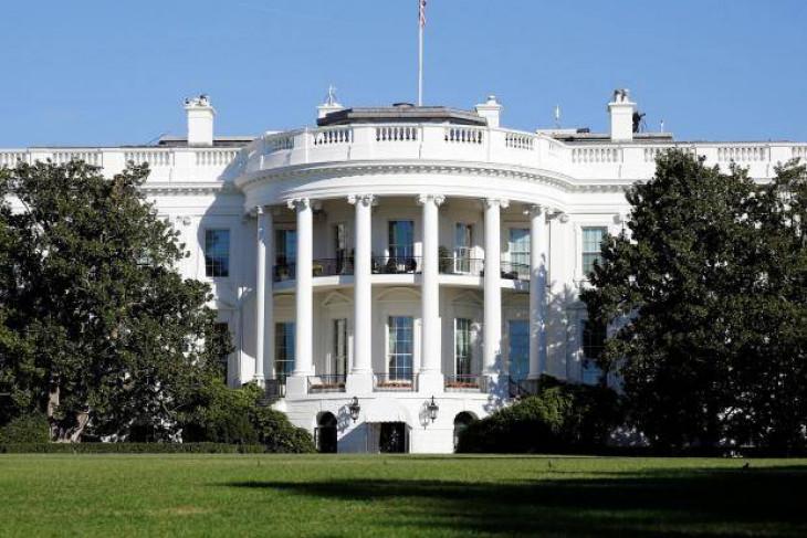 Trump dikawal meninggalkan pengarahan setelah penembakan di Gedung Putih