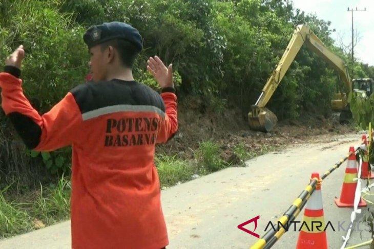 Dua warga Pulau Matasirih Kotabaru tertimbun tanah longsor