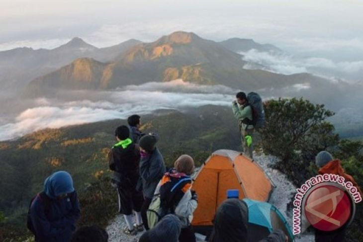 Seorang pendaki dikabarkan tewas di Gunung Lawu