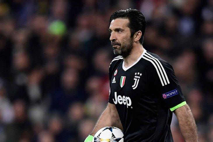 Buffon kritik wasit setelah diusir keluar lapangan