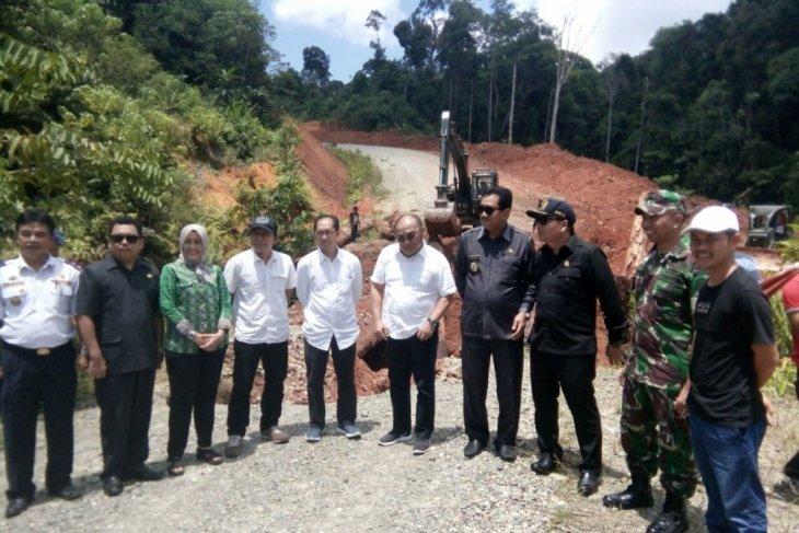 Road Access West Kalimantan - East Kalimantan will finnish next year