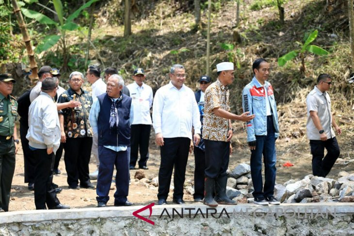 Jokowi apresiasi proyek padat karya Citarik Sukabumi