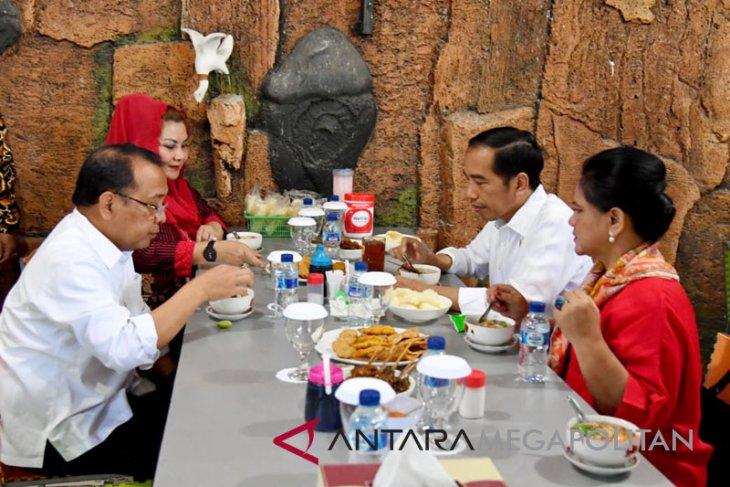 Bila Presiden Joko Widodo makan soto ayam di Semarang