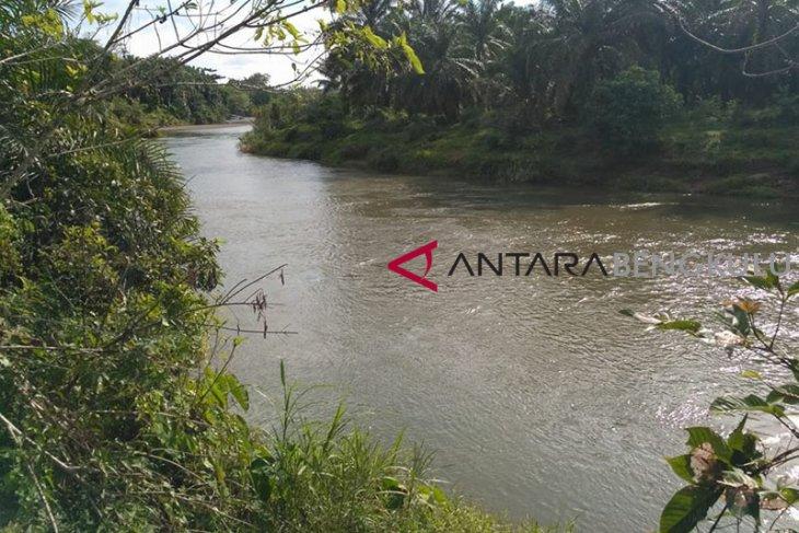 Dua lab uji kualitas air sungai Mukomuko