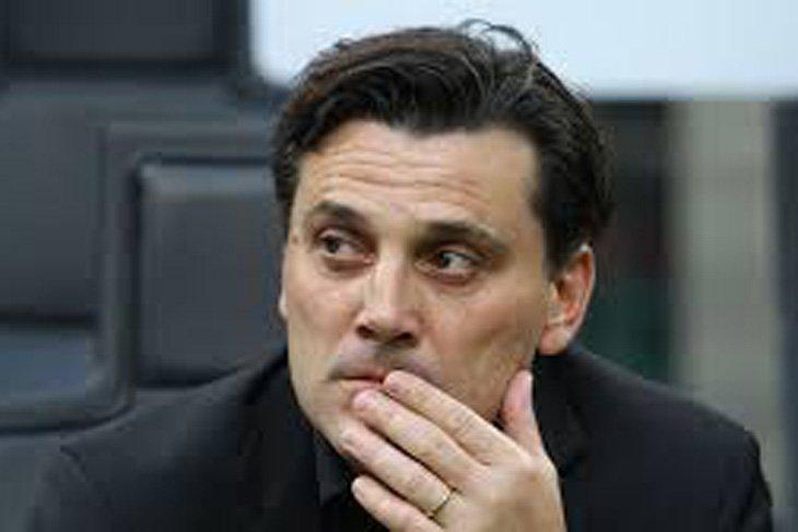 Fiorentina jelaskan pertahankan Montella sebagai arsitek tim