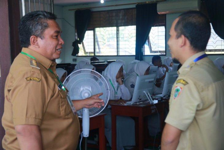 Pelaksanaan UNBK SMA/MA Banjarbaru lancar