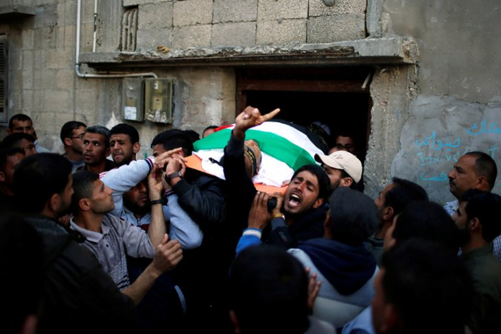 Israeli forces martyr Palestinian in West Bank