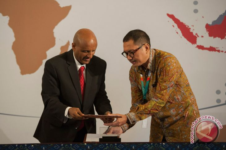 GMF, Ethiopian airlines agree to cooperate in aircraft maintenance