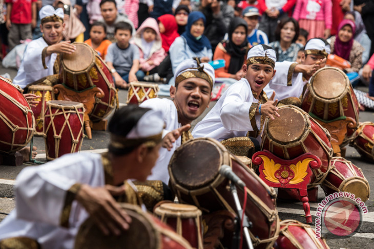 Indonesian students promote Sundanese culture in nanning
