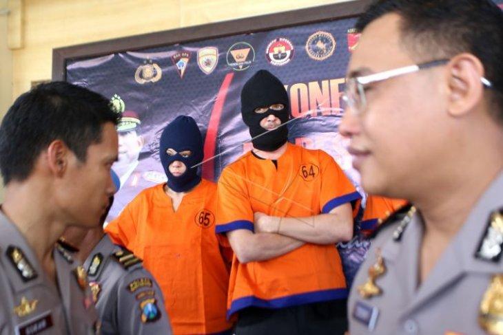 Polisi tangkap WNA pesta sabu