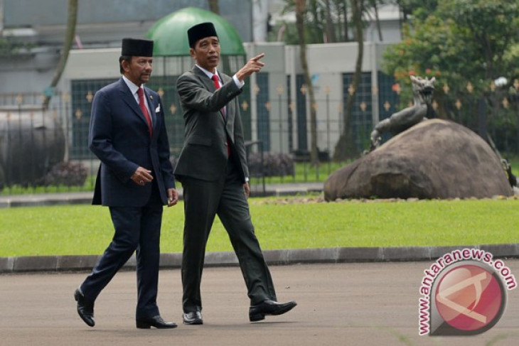 Jokowi chairs bilateral meeting with Brunei delegation