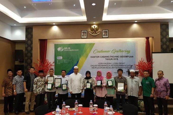 Bpjs Ketenagakerjaan Cabang Padangsidimpuan Apresiasi Perusahaan Antara News Sumatera Utara
