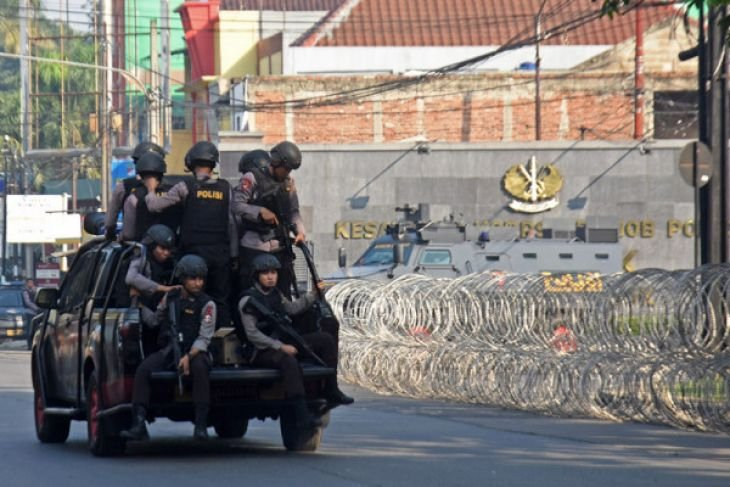 Polri: Lima Polisi Gugur, Satu Tahanan Teroris Tewas