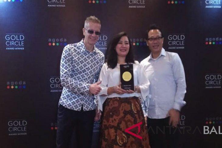 Swiss-Belinn Legian terima Gold Circle Award dan sertifikat Chinese Preferred Hotel
