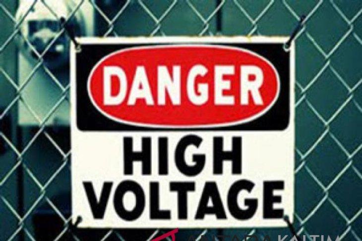 Barang elektronik rusak akibat listrik tegangan tinggi