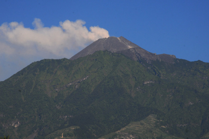 People should remain calm following phreatic eruption of merapi